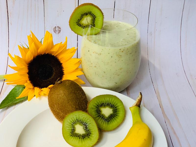 Simple Kiwi Smoothie Recipe